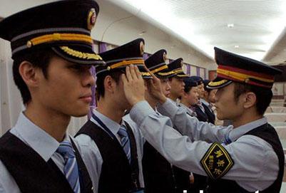 初中毕业男生学铁路专业好就业吗【成都铁路学校】