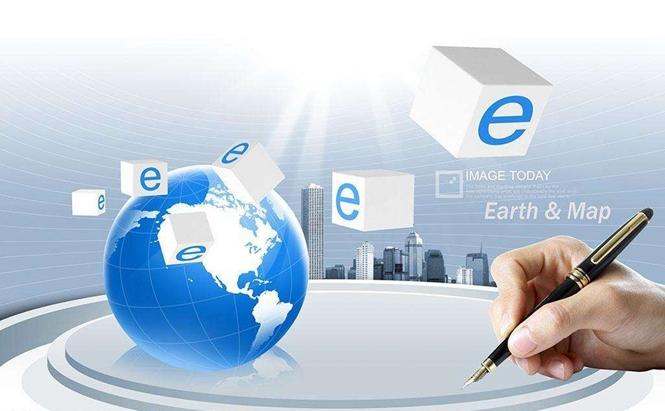 电子商务是什么? 专业介绍 电子商务专业是融计算机科学、市场营销学、管理学、法学和现代物流于一体的新型交叉学科。培养掌握计算机信息技术、市场营销、国际贸易、管理、法律和现代物流的基本理论及基础知识,具有利用网络开展商务活动的能力和利用计算机信息技术、现代物流方法改善企业管理方法,提高企业管理水平能力的创新型复合型电子商务高级专门人才。目前本专业有两个专业方向:网站设计与程序方向、网络营销编辑方向。 电子商务主要培养什么? 电子商务专业培养具备管理、经济、法律及网络技术、计算机技术、市场营销、电子商务技术以